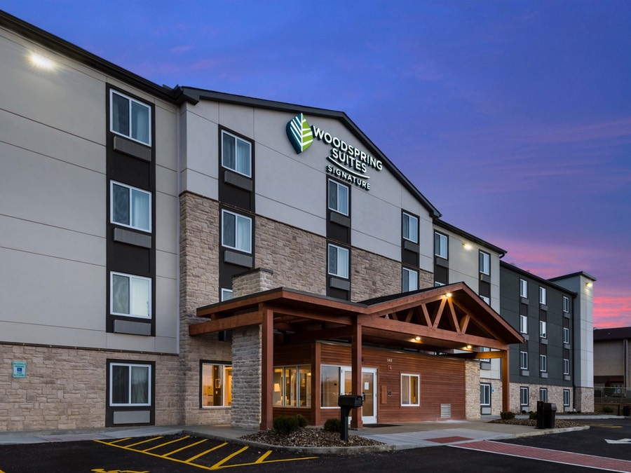 WoodSpring Suites Signature Pittsburgh Cranberry Extended Stay Hotel Exterior 4 4000x3000